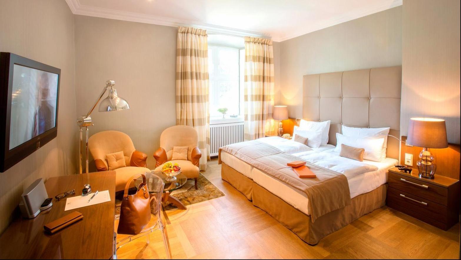 schlosshotel hugenpoet essen erleben sie die geschichte. Black Bedroom Furniture Sets. Home Design Ideas